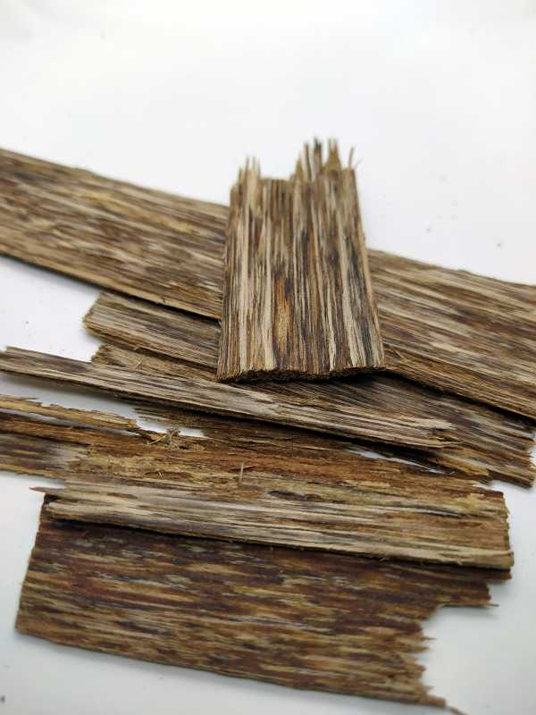 Oudh Chips Vietnam Incense | 3g - 50g